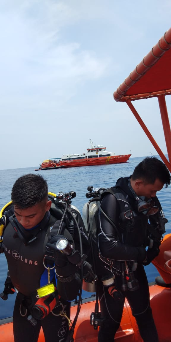 Plane With 188 Passengers Crashes Into Sea In Indonesia