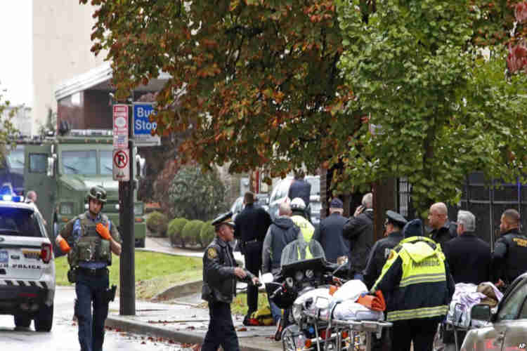 Gunman Attacks US Synagogue, Kills 8