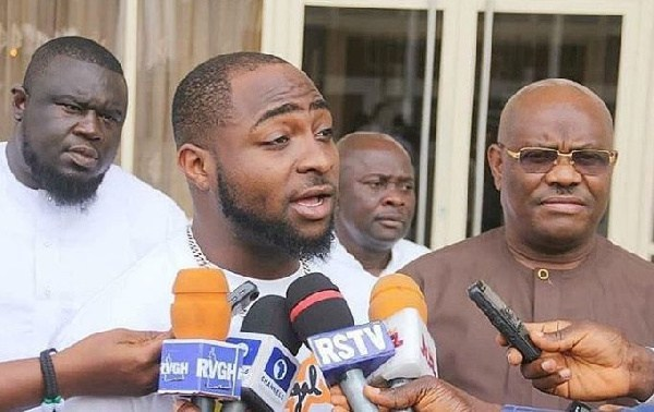 David Adeleke aka Davido, the popular Nigerian artist has recently responded to Federal Inland Revenue Service (FIRS) for including Davido Music Worldwide Limited (DMW Ltd.), his music label amongst task defaulters in Nigeria.
