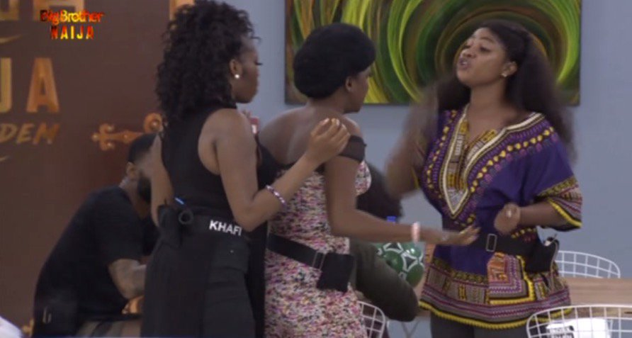 After the day's task won by Nelson, it was some gist and food time for the housemates.