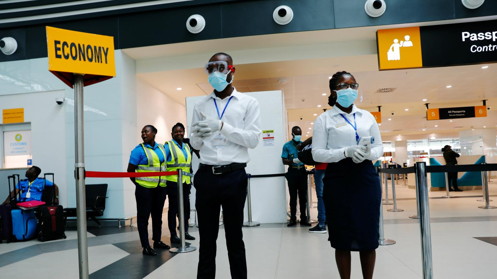 COVID-19: FG Bans 2,000 Nigerians From Travelling Abroad